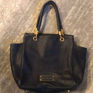 Beautiful Navy Marc Jacobs Purse Like New!